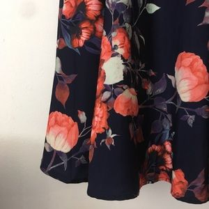 ModCloth floral midi skirt w/ POCKETS